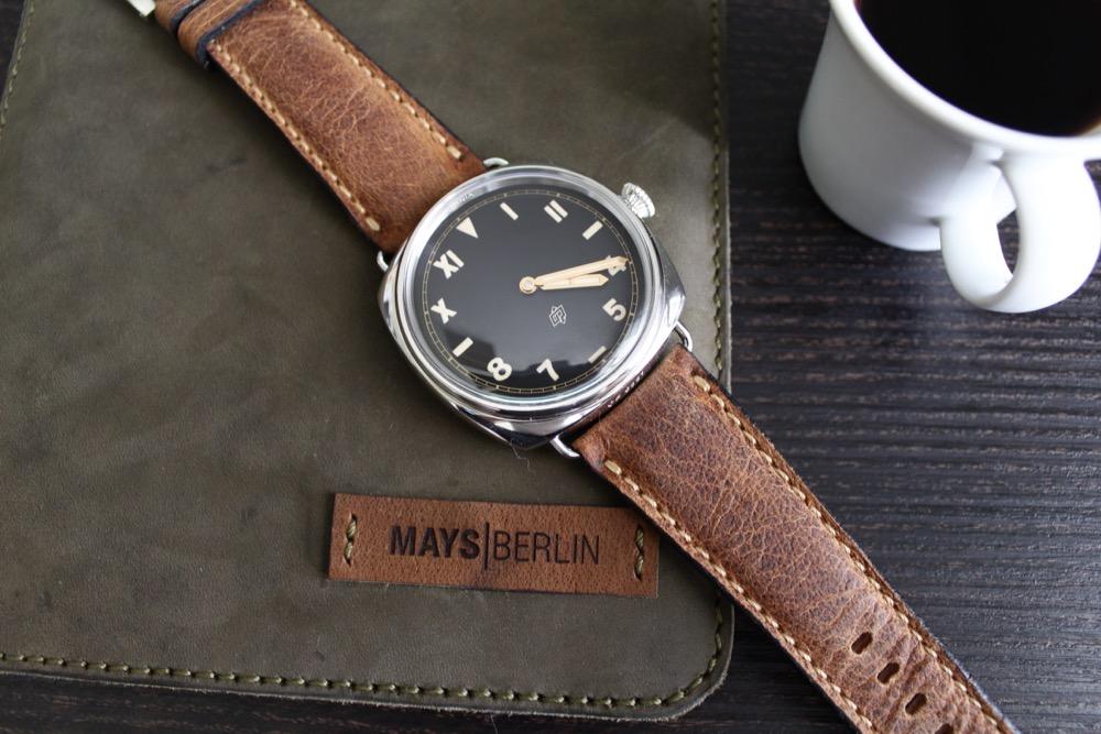 Mays-Berlin,Walnussbraun