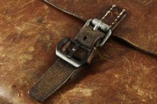 ,PRE-V - Schwarz PVD beschichtet / verschraubte Uhrenschließe / 316L Edelstahl